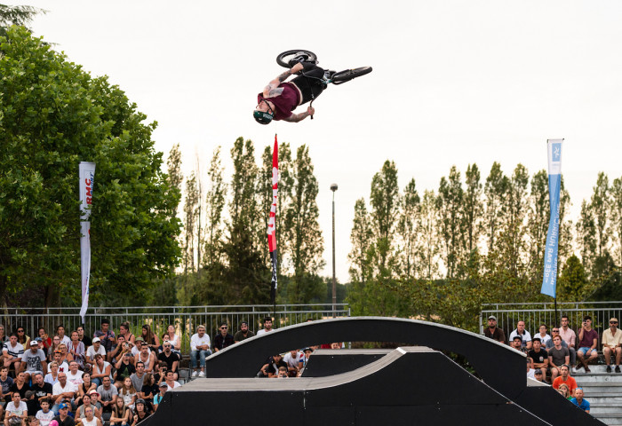 FISE Chateauroux - James Jones - BMX Freestyle Park